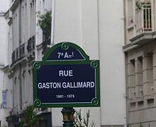 220px-plaque_rue_gaston-gallimard