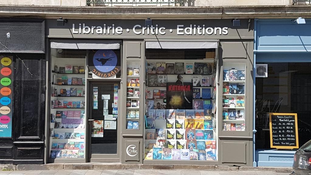 librairie_critic_03523800_123701052